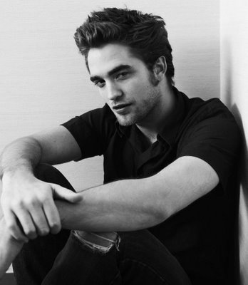 12458_Robert-Pattinson-should-be-illegal